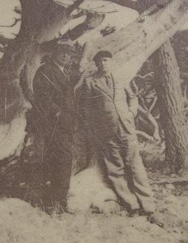 Marie-Victorin et le professeur Francis Ernest Lloyd à Carmel en Californie (1938)