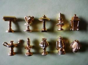 Série de fèves dorées : « Habits de lumière ». (source: Wikipédia)
